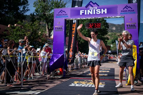 Kilian Jornet vince la Pikes Peak marathon
