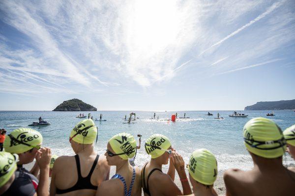 Swimtheisland Bergeggi: Nicola Tempesta e Bianca Seregni vincono i 6000m.