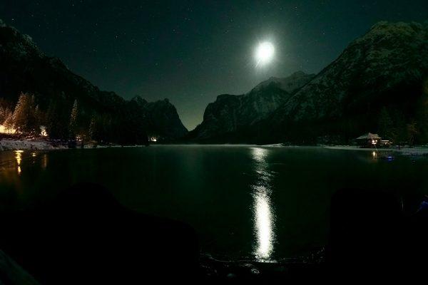 La Winter Night Run, correre sulla neve al crepuscolo