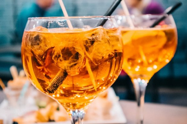 Etanolo, lo zucchero presente negli alcolici