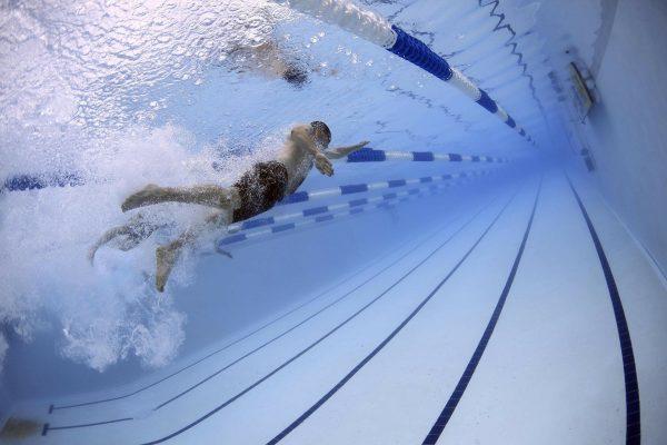 Occhialini da nuoto: come non farli appannare