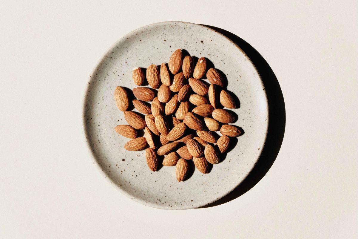 Volchem Promeal Energetica, nuova barretta a base di pasta di mandorle