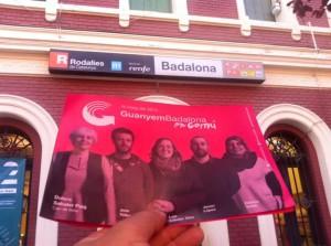Pamflets de la candidatura Guanyem Badalona en Comú repartits al carrer / GUANYEM BADALONA