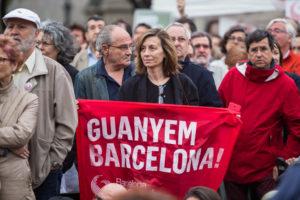 Una pancarta de Guanyem Barcelona / JORDI BORRÀS