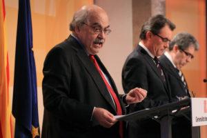El conseller d'Economia Mas-Colell, amb el president Artur Mas i l'exportaveu Francesc Homs / PARLAMENT