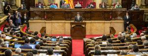 El president de la Generalitat, Carles Puigdemont, al Parlament / Foto: Jordi Borràs