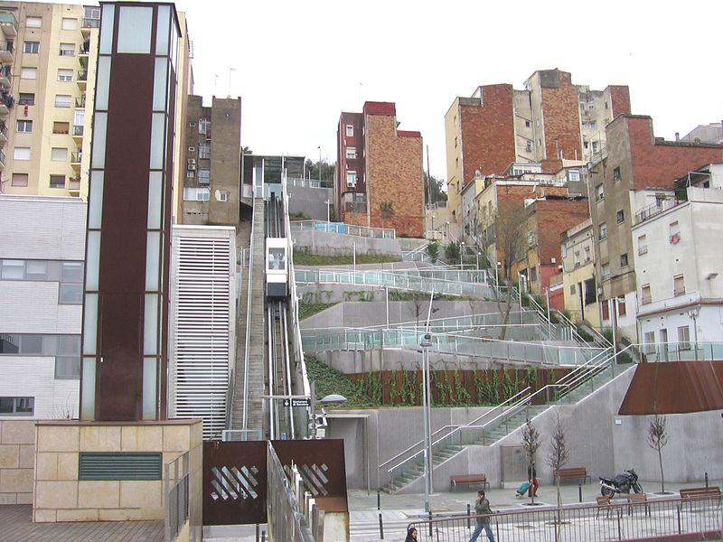 Ascensor al carrer Alguer, al Carmel / CANAAN