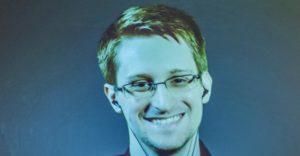 Edward Snowden durant una videoconferència amb Amnistia Internacional Gran Bretanya / AI UK