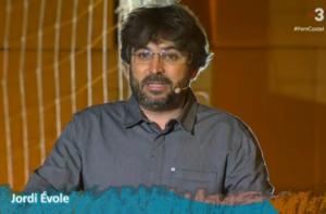 Jordi Évole, durant el concert pels refugiats al Sant Jordi / TELEVISIÓ DE CATALUNYA
