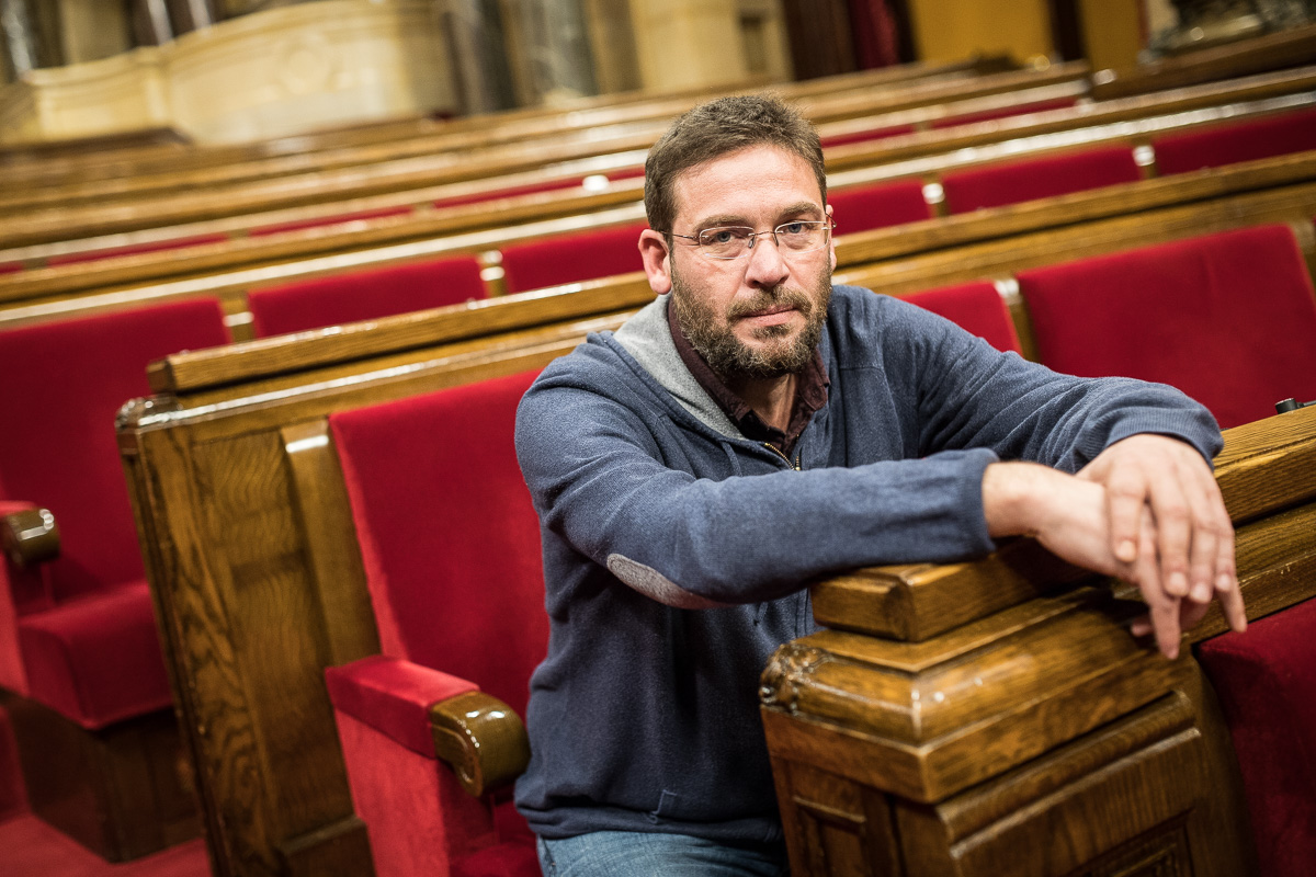 ¿Por qué Podemos no organiza un referéndum sobre la Monarquía al estilo catalán?