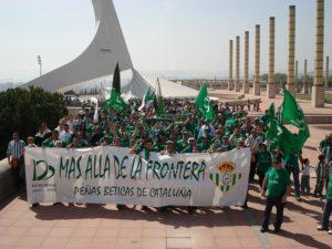 Trobada de penyes del Betis de tot Catalunya a Montjuïc / Miguel Guillén