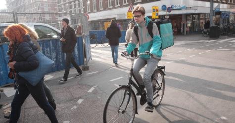 La lluita contra la precarietat dels 'riders' de Deliveroo