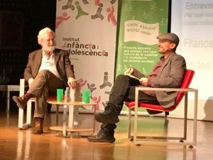 Francesco Tonucci conversa amb Carles Capdevila a les jornades sobre el dret dels infants a la ciutat. Foto: L.A.