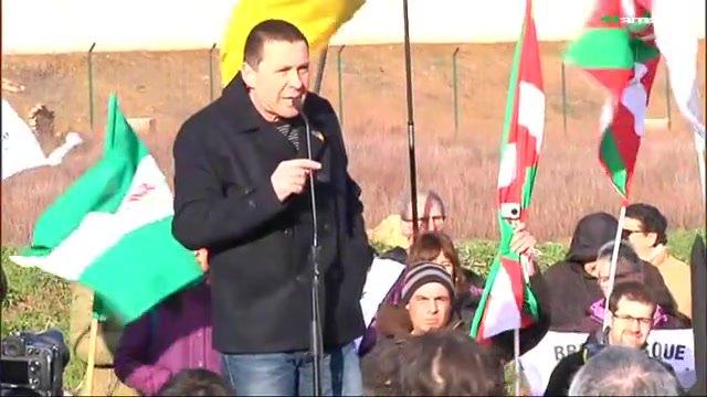 Arnaldo Otegi en sortir de la presó de Logroño.