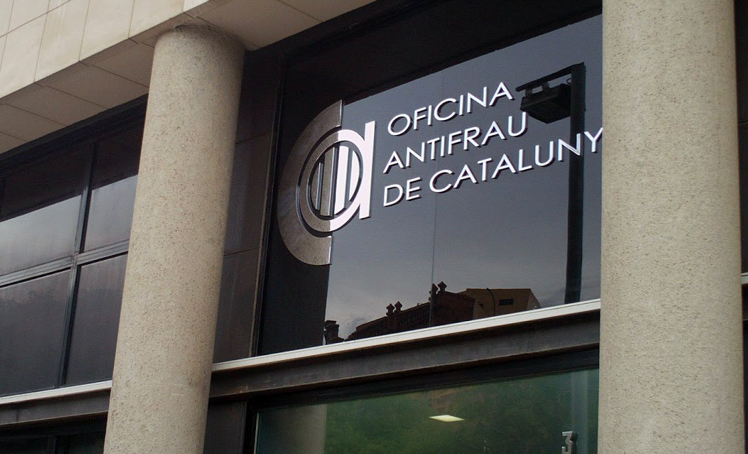 Stop demag gia catalunya necessita m s que mai l oficina for Oficina antifrau