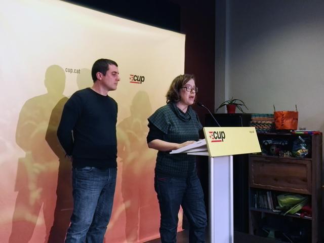 Quim Arrufat i Eulàlia Reguant expliquen la decisió presa pel consell polític de la CUP. Foto: CUP-CC