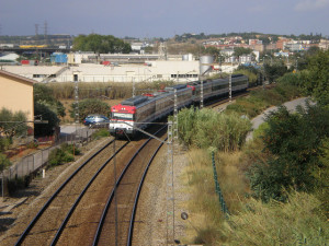 Un tren de rodalies a l'altura de Mollet del Vallès / Foto: JT Curses