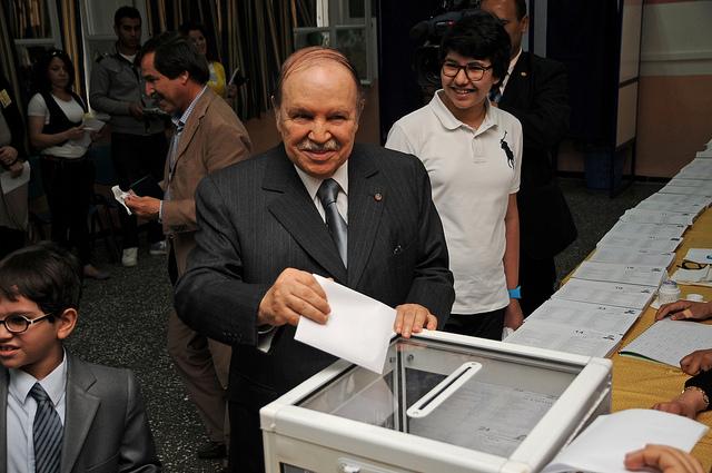 El president algerià Abdelaziz Bouteflika lidera un règim repressor malgrat les eleccions / Magharebia