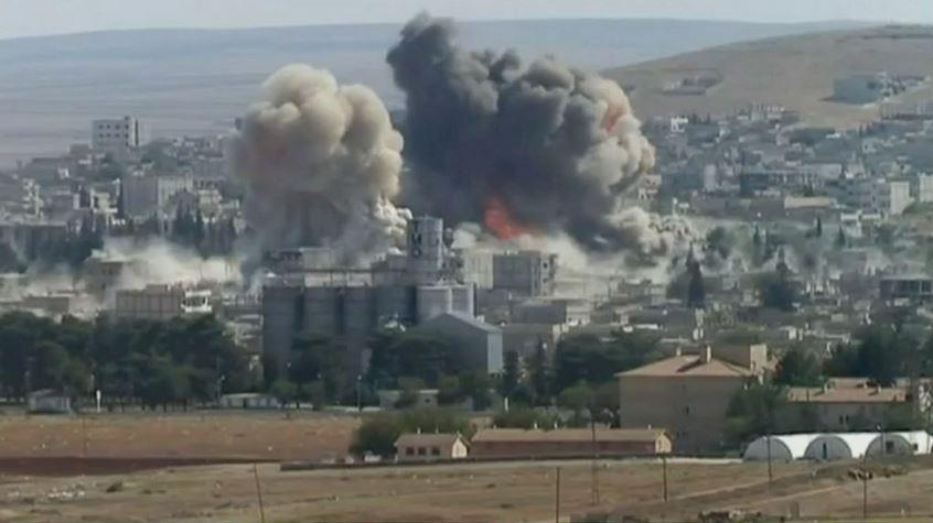 Vista de Kobanê, arrassada per les bombes de l'Estat Islàmic / Karl-Ludwig Poggemann