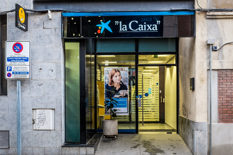 Oficina de La Caixa / JORDI BORRÀS