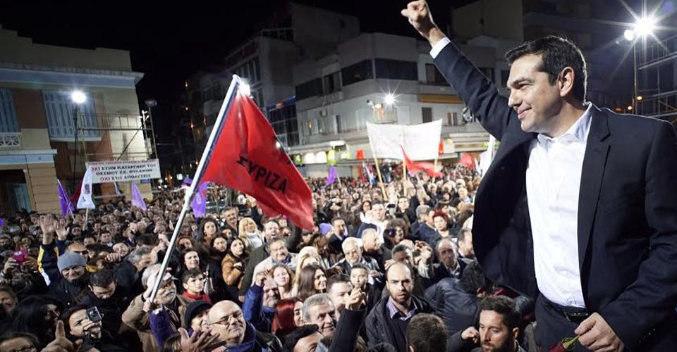 Tsipras celebra la victòria de Syriza a les eleccions gregues ahir a Atenes / ARXIU