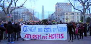 Manifestació a Gràcia contra la construcció de nous hotels / ELOI LATORRE