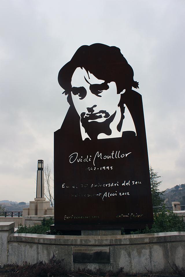 Monument a Ovidi Montllor a Alcoi. Foto: Feliu Ventura.