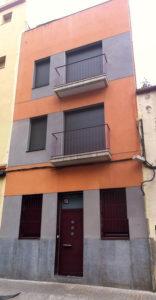 Apartaments turístics de Núria de Gispert al carrer Finestrat. Foto: CRÍTIC