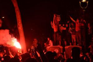 Aficionats del Barça, amb bengales / Ben Sutherland