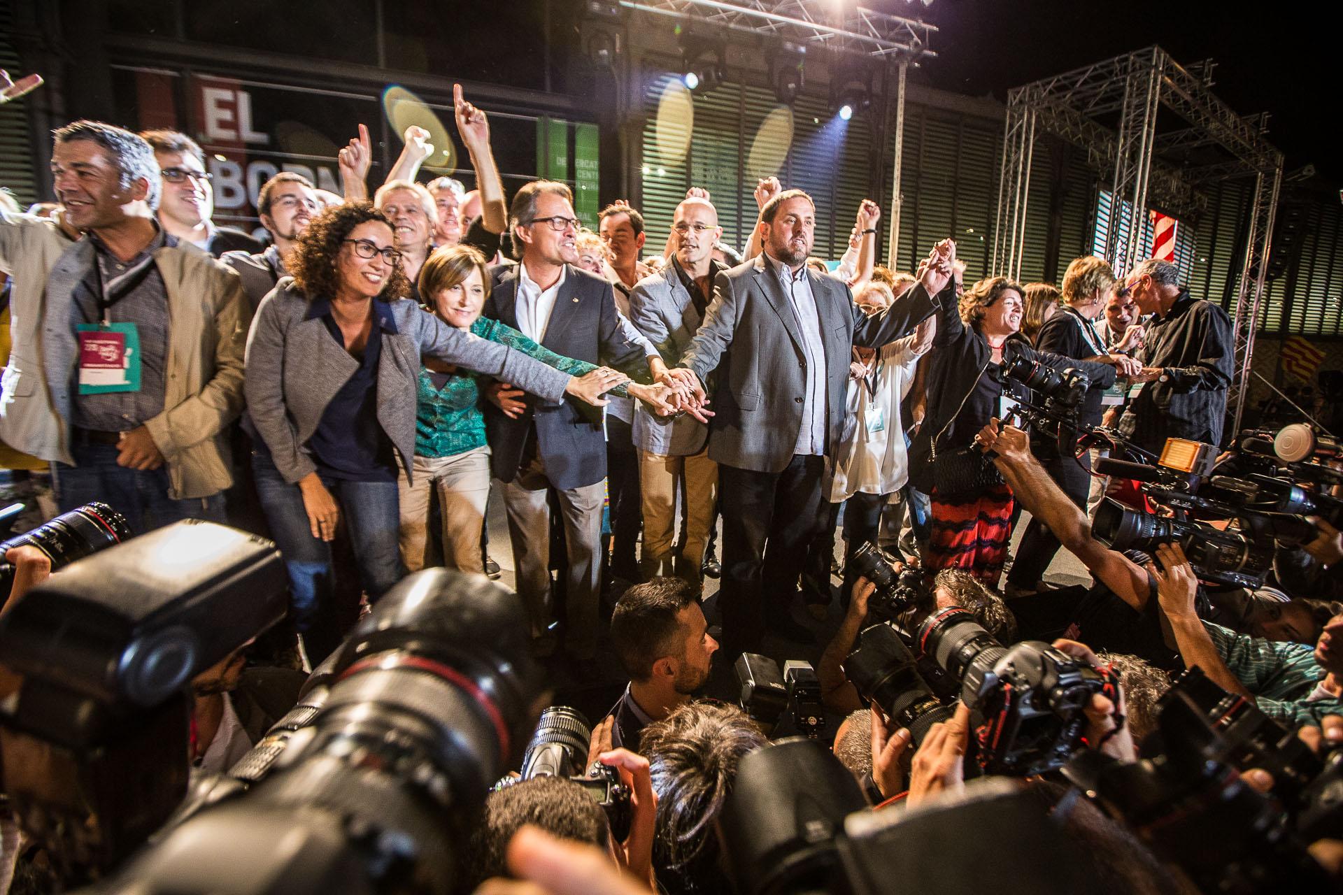 Celebració de la victòria de Junts pel Sí la nit electoral al Born / JORDI BORRÀS