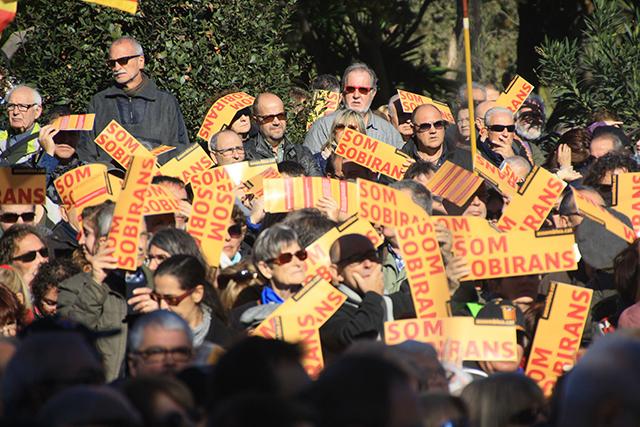 Concentració de l'ANC al Parc de la Ciutadella per exigir la unitat dels partits sobiranistes. Foto: Núria