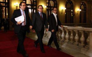 Artur Mas amb Rull i Turull al Parlament. Foto: CDC