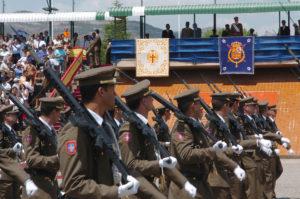 Desfilada militar a l'AGBS de Talarn