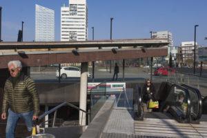 L'estació dels Ferrocarrils a la plaça Europa / XAVI HERRERO