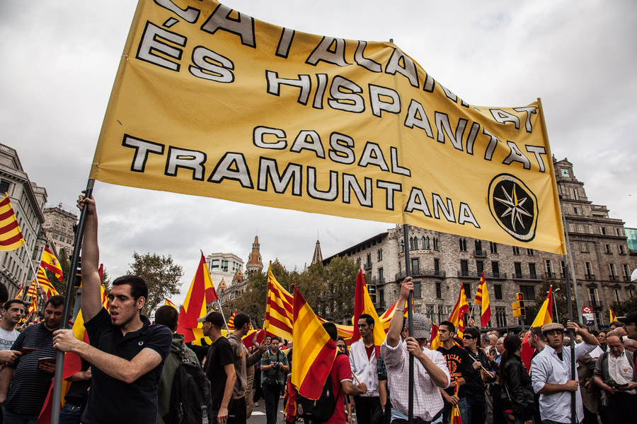 Manifestants del Casal Tramuntana / JORDI BORRÀS