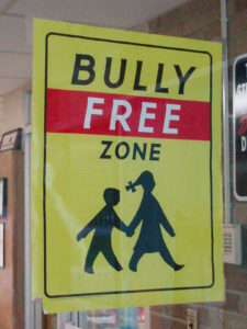 Cartell contra el bullying escolar