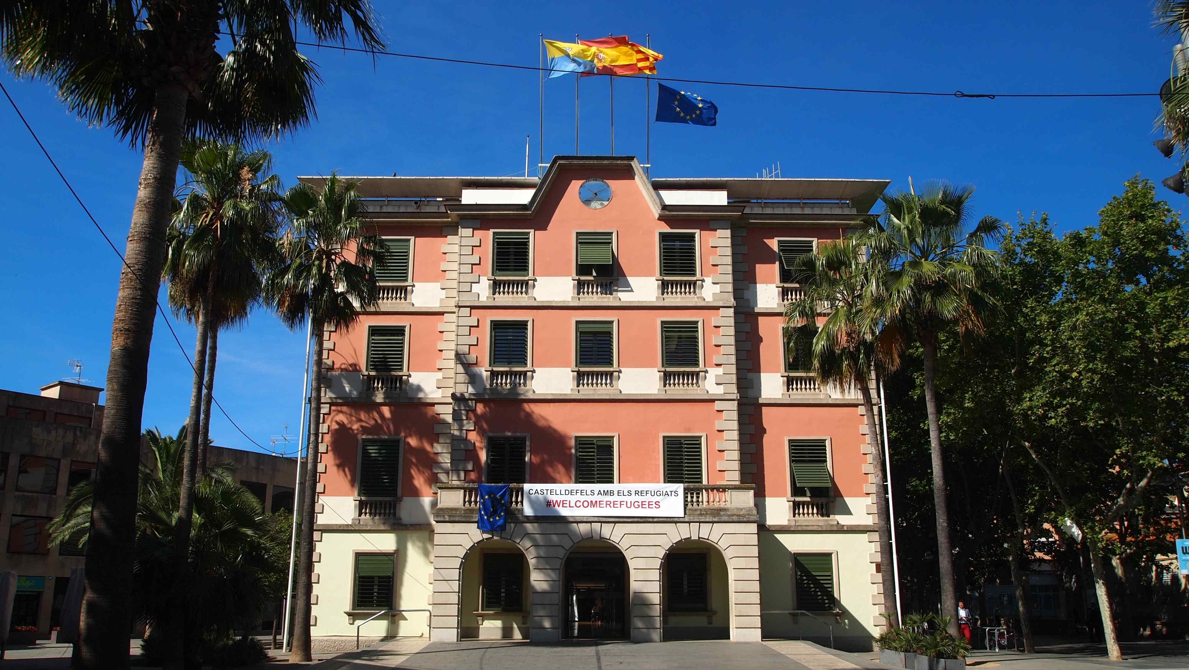 Façana de l'ajuntament de Castelldefels / MARC COROMINAS