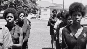 Les dones van ser majoria en la militància dels Panteres Negres / Fotograma del Documental 'The Black Panthers'