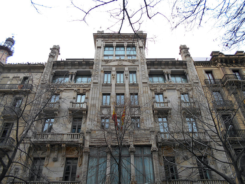 La modernista Casa Pons, seu d'Economia, és ara propietat de la farmacèutica italiana Angelini. Foto: Canaan