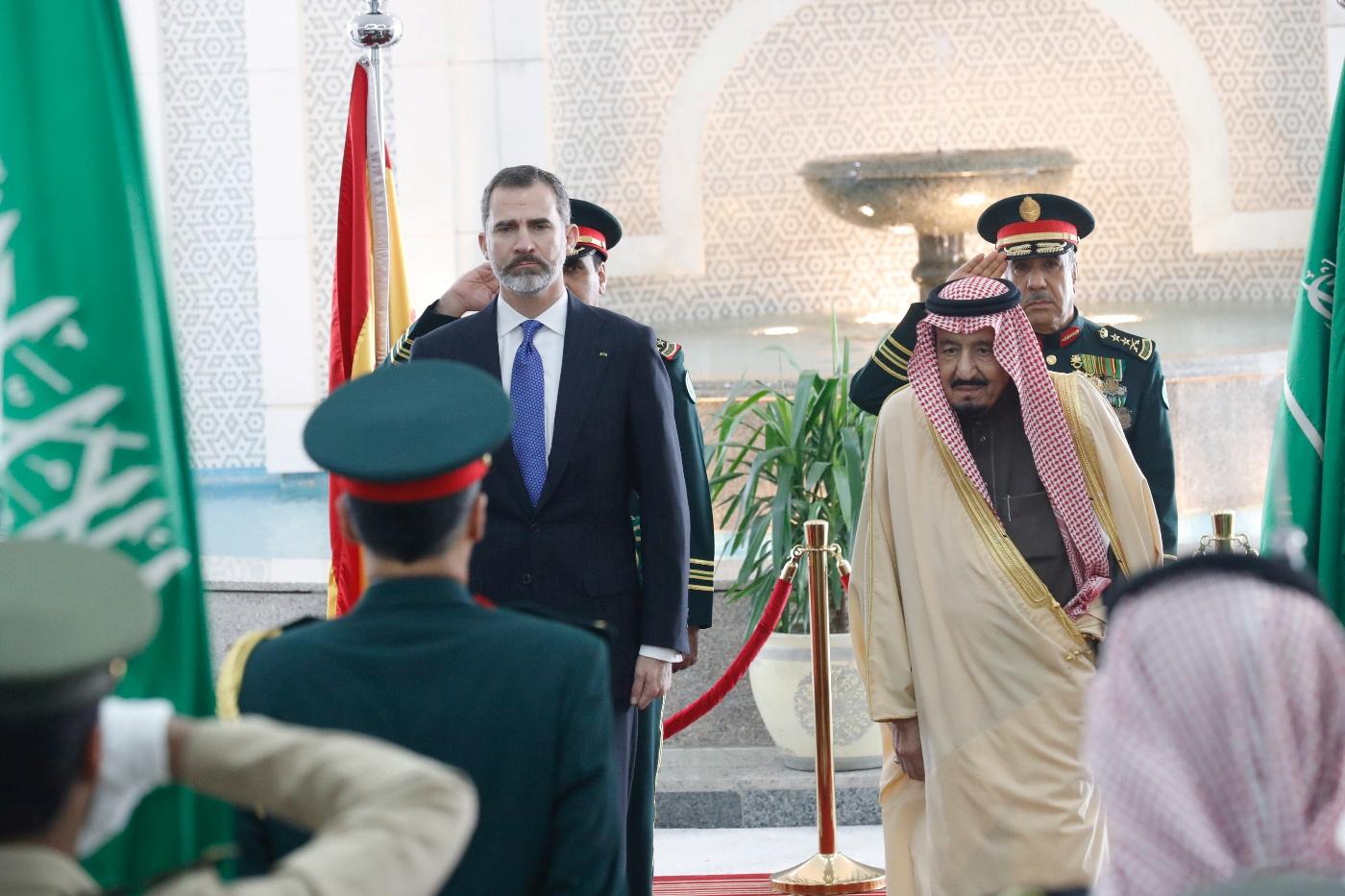 Felip VI I Bin Abdulaziz Al-Saud durant la visita del monarca espanyol a Aràbia Saudita aquest gener/ CASA REIAL