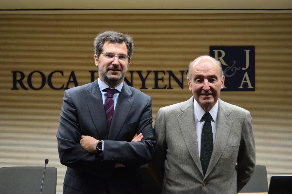 Miquel Roca amb el seu fill Joan, ara al capdavant del bufet Roca-Junyent / ROCA JUNYENT