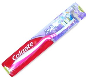 Colgate Zigzag Medium Tooth Brush & Tongue Cleaner 1