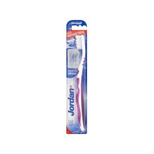 Jordan Medium Advanced White Toothbrush 1pc