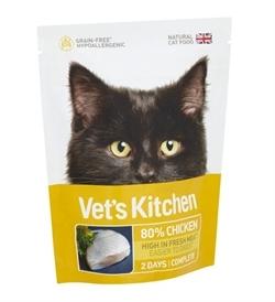 Vets Kitchen Adult Cat Ultra Fresh Chicken 770g