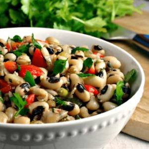 Fresh Black Eyed Pea Salad (Borulce Salatasi) 250g