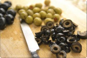 Spanish Olive Slice Green/Black 250g