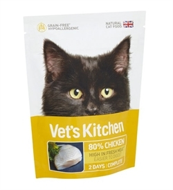 Vet's Kitchen Adult Cat Ultra Fresh Chicken 385g