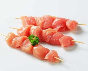 Fresh Chicken Cubes Skewers Tomato Classic Marinated 500g
