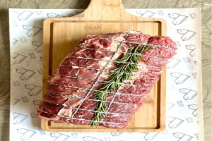 USDA Prime Chuck Roll Roast 1kg