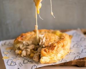Creamy Sauce Chicken Corn Pie Serves 2-3 600g